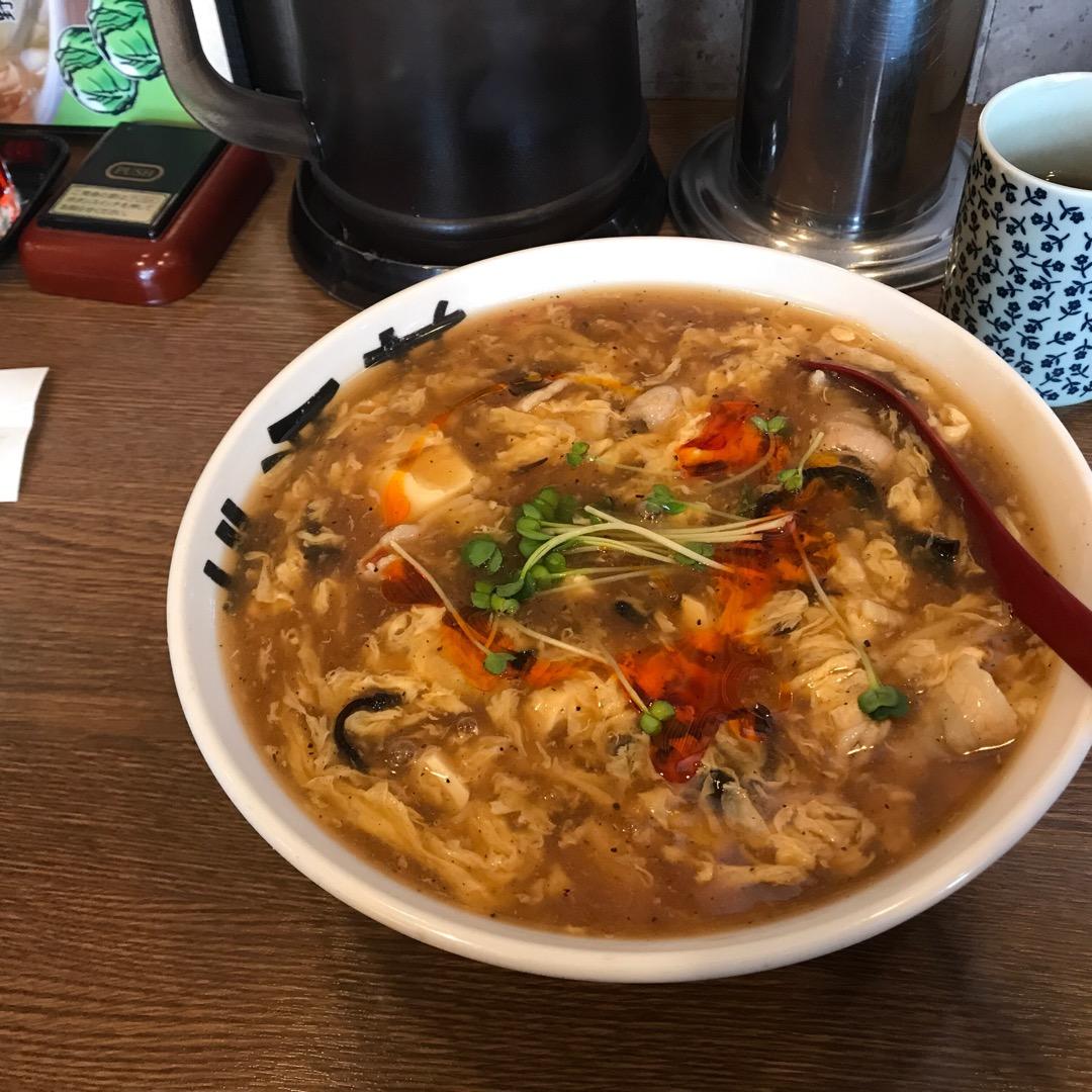 人生初の酸辣湯麺! 並んだ甲斐がありました!! #桃源花