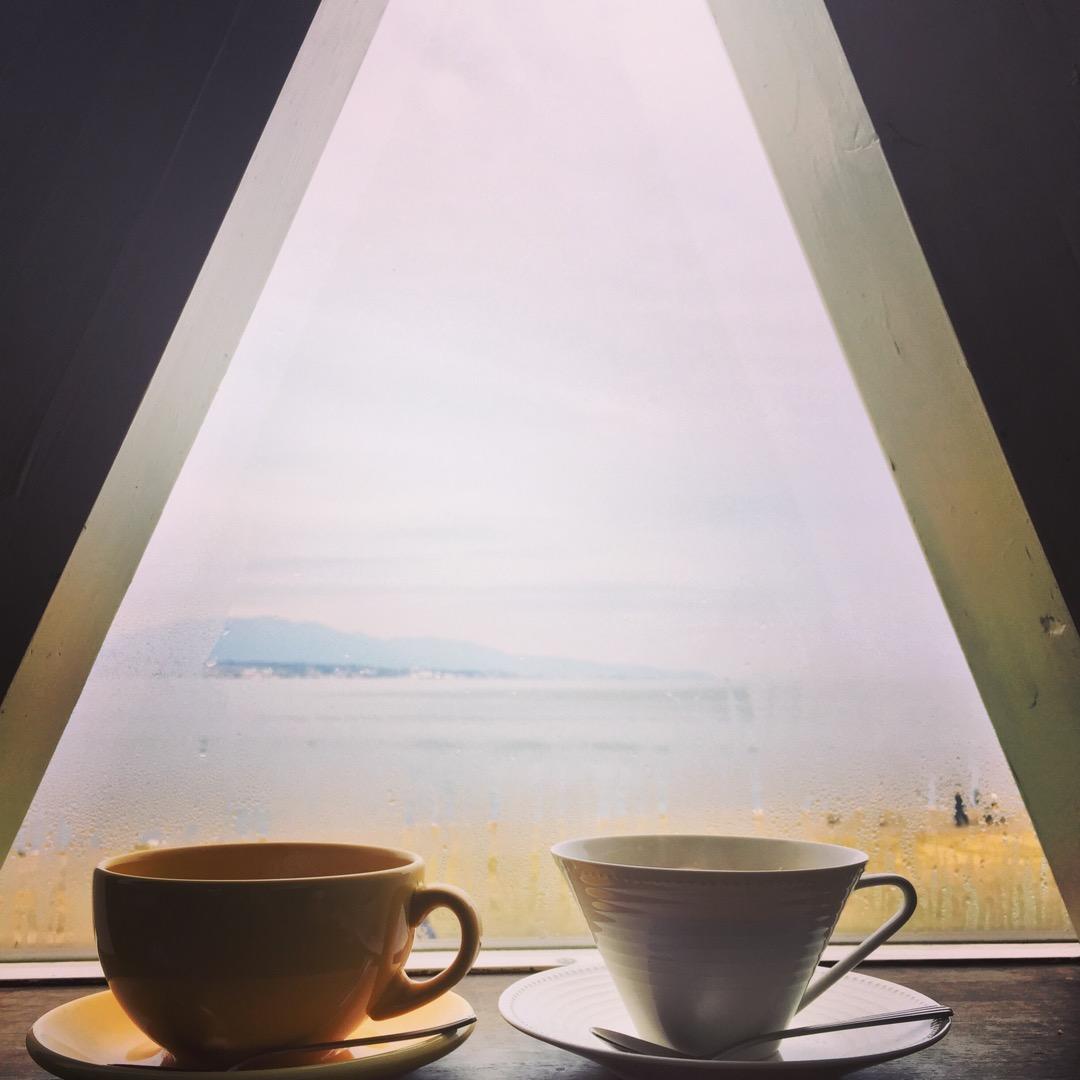 琵琶湖ベリのカフェ あったかい時はテラスで琵琶湖見ながらランチ! ...