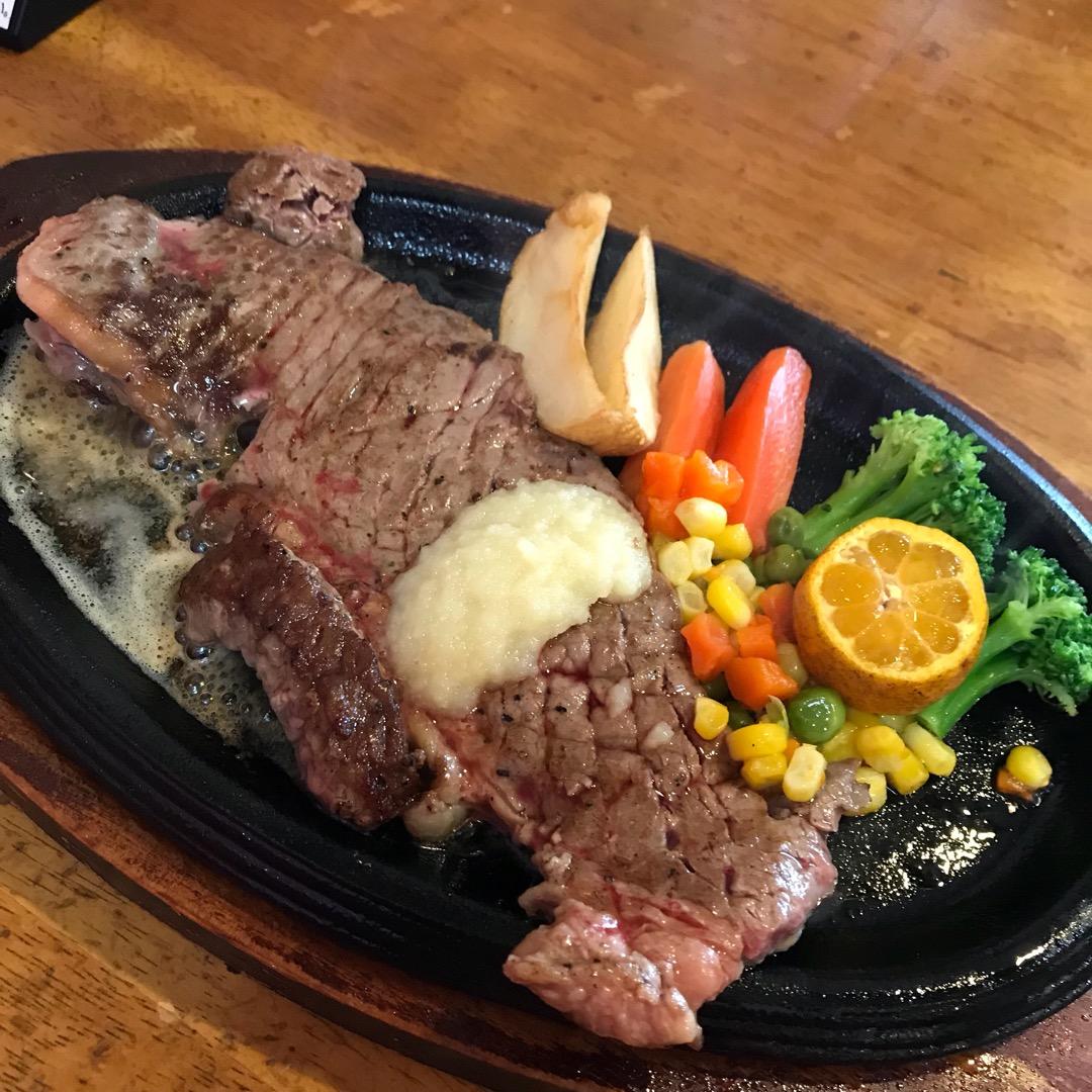 レストラン海洋。ステーキ定食。250g。 開店から35周年記念で1...
